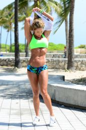 Jennifer Nicole Lee - Working Out on the Beach in Miami - April 2015