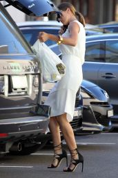 Jesinta Campbell Style - Stops of For Groceries in Rose Bay in Sydney, April 2015