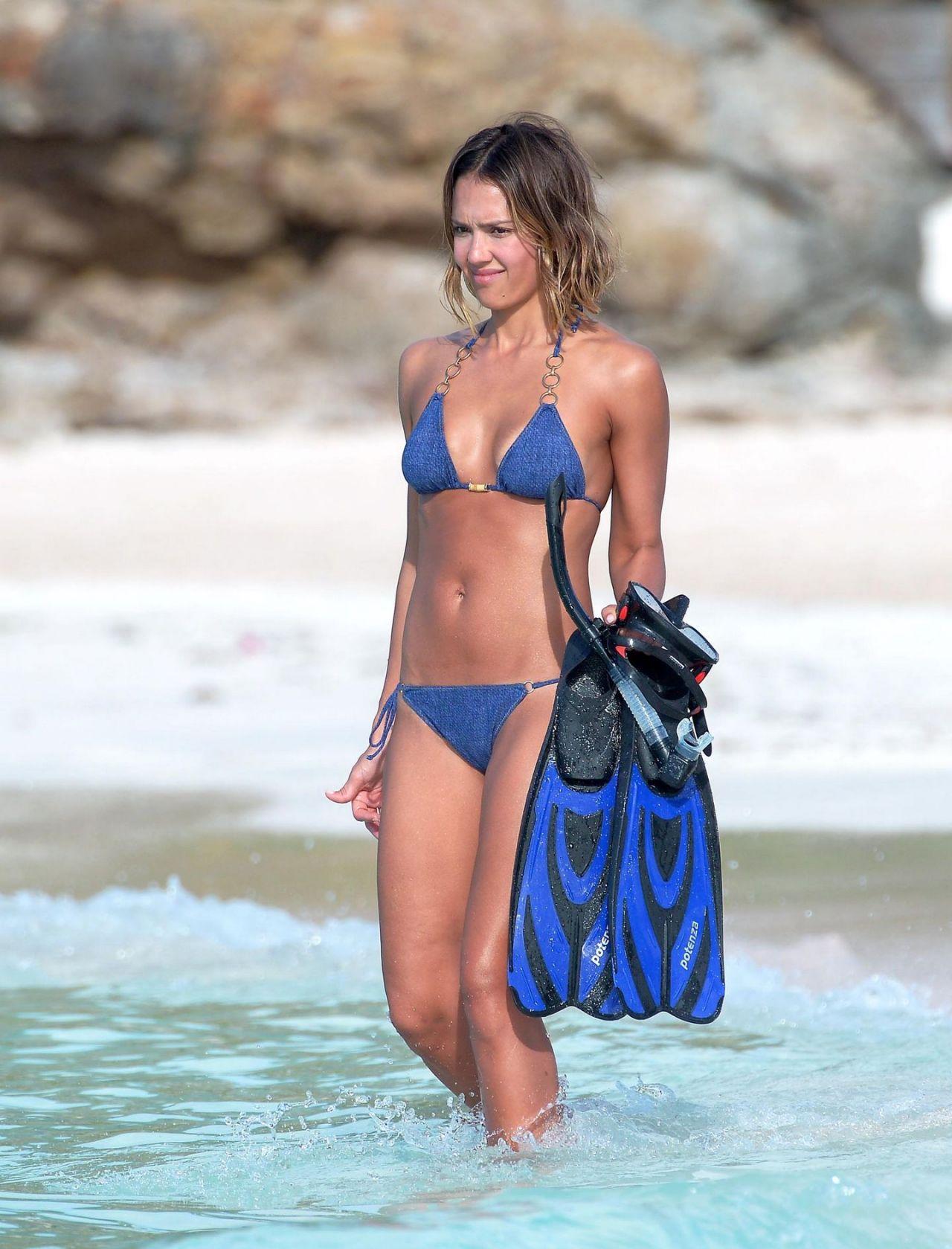 Jessica Alba Bikini Pics 53