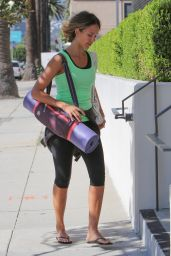 Jessica Alba - Going to a Yoga Class in Los Angeles, April 2015
