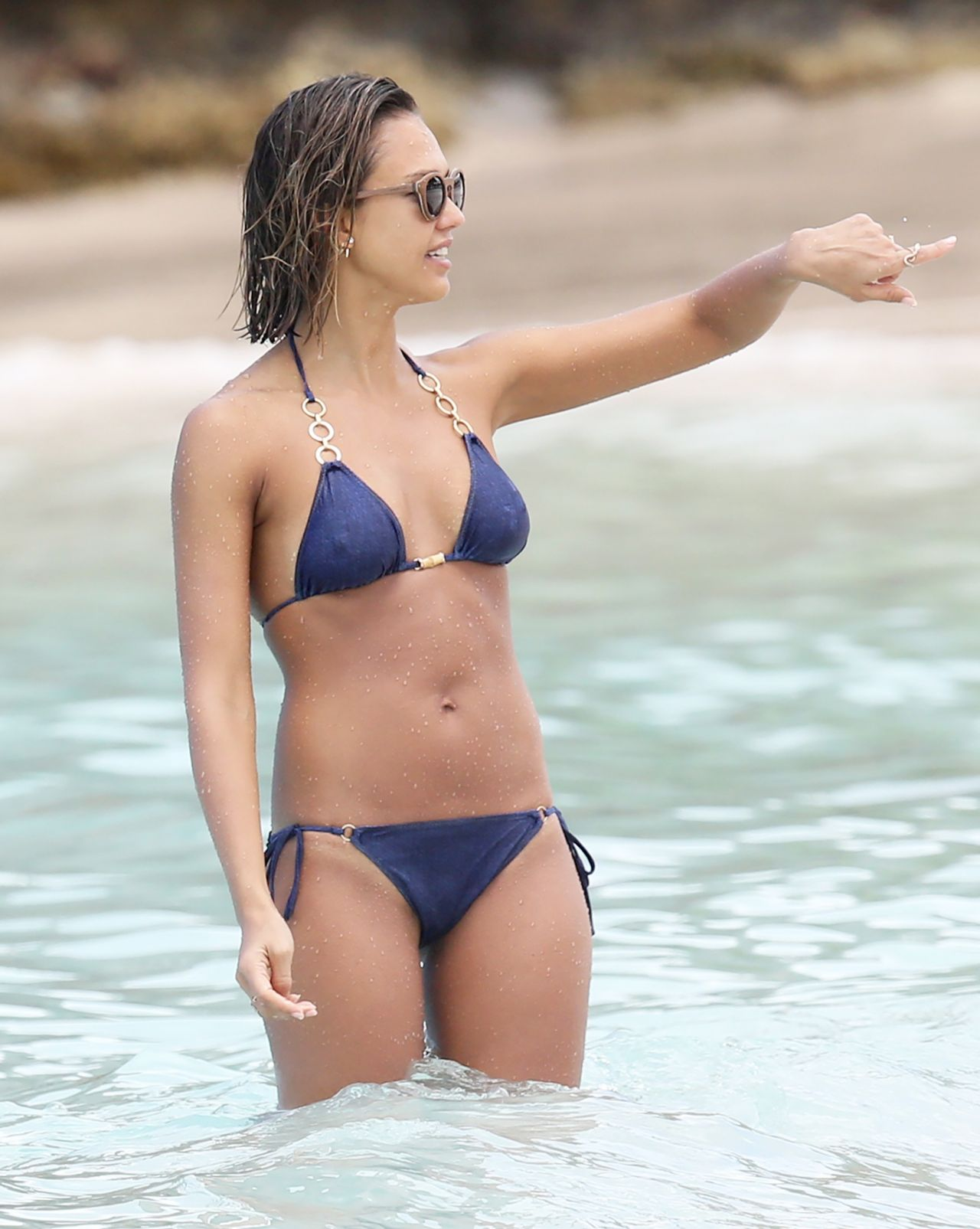 Sexi bikini video-6431