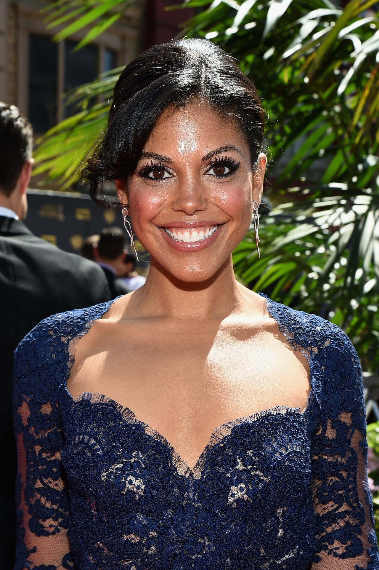 Karla Souza Net Worth - Celebrity Sizes