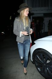 Kate Hudson Casual Style - at Giorgio Baldi in Los Angeles, April 2015