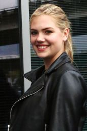 Kate Upton at Vancouver Canucks vs Calgary Flames Game in Vancouver, April 2015