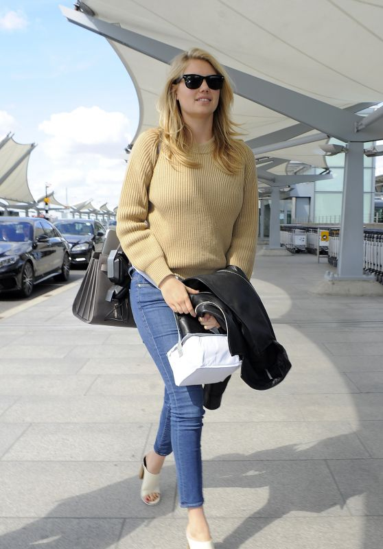 Kate Upton Casual Style - Heathrow Airport in London, April 2015