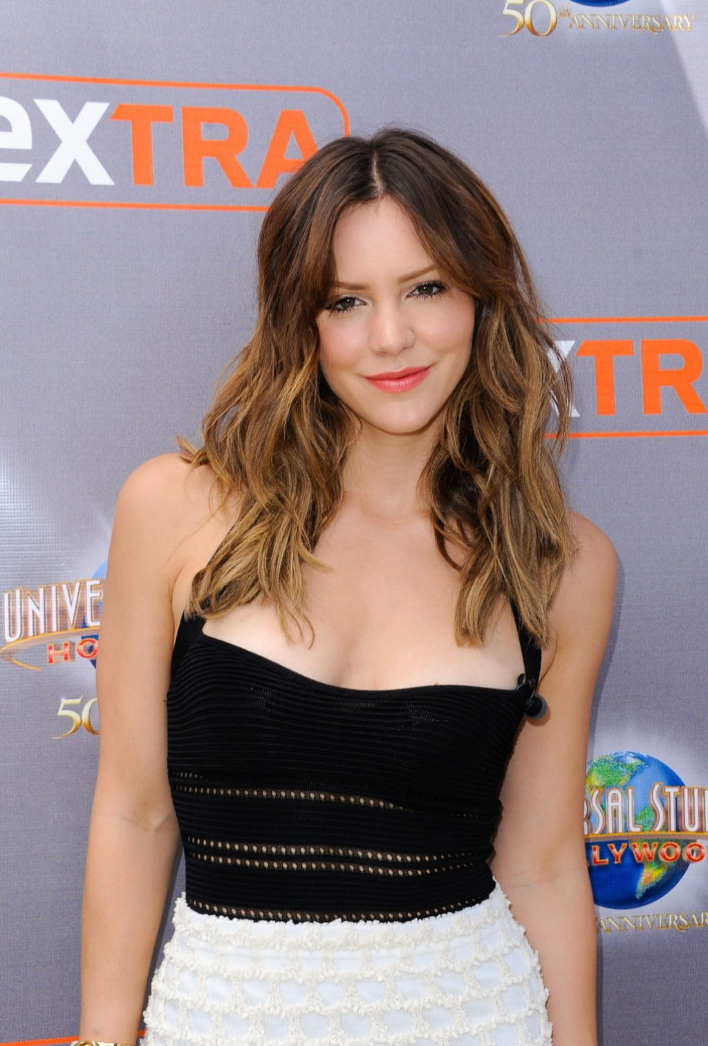 The 33-year old daughter of father Daniel McPhee and mother Adriana McPhee, 180 cm tall Katharine McPhee in 2017 photo