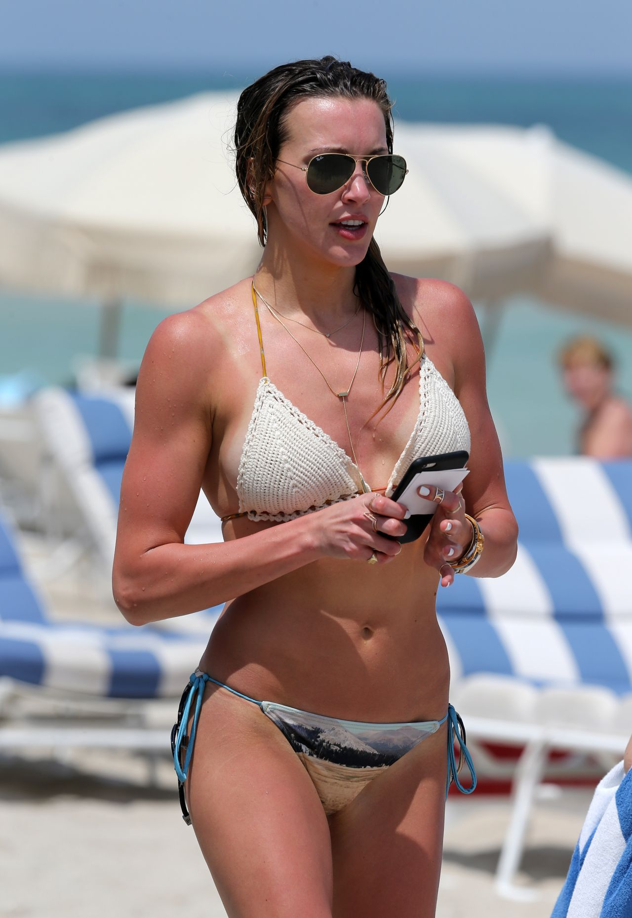 Legal katie cassidy bikini pics pussy gallery suicide
