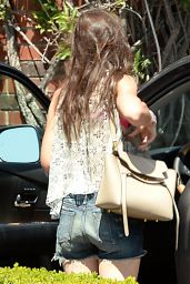 Katie Holmes Leaving Starbucks in Beverly Hills, April 2015
