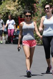 Kelly Brook in Leggings - at Runyon Canyon Park in LA, April 2015