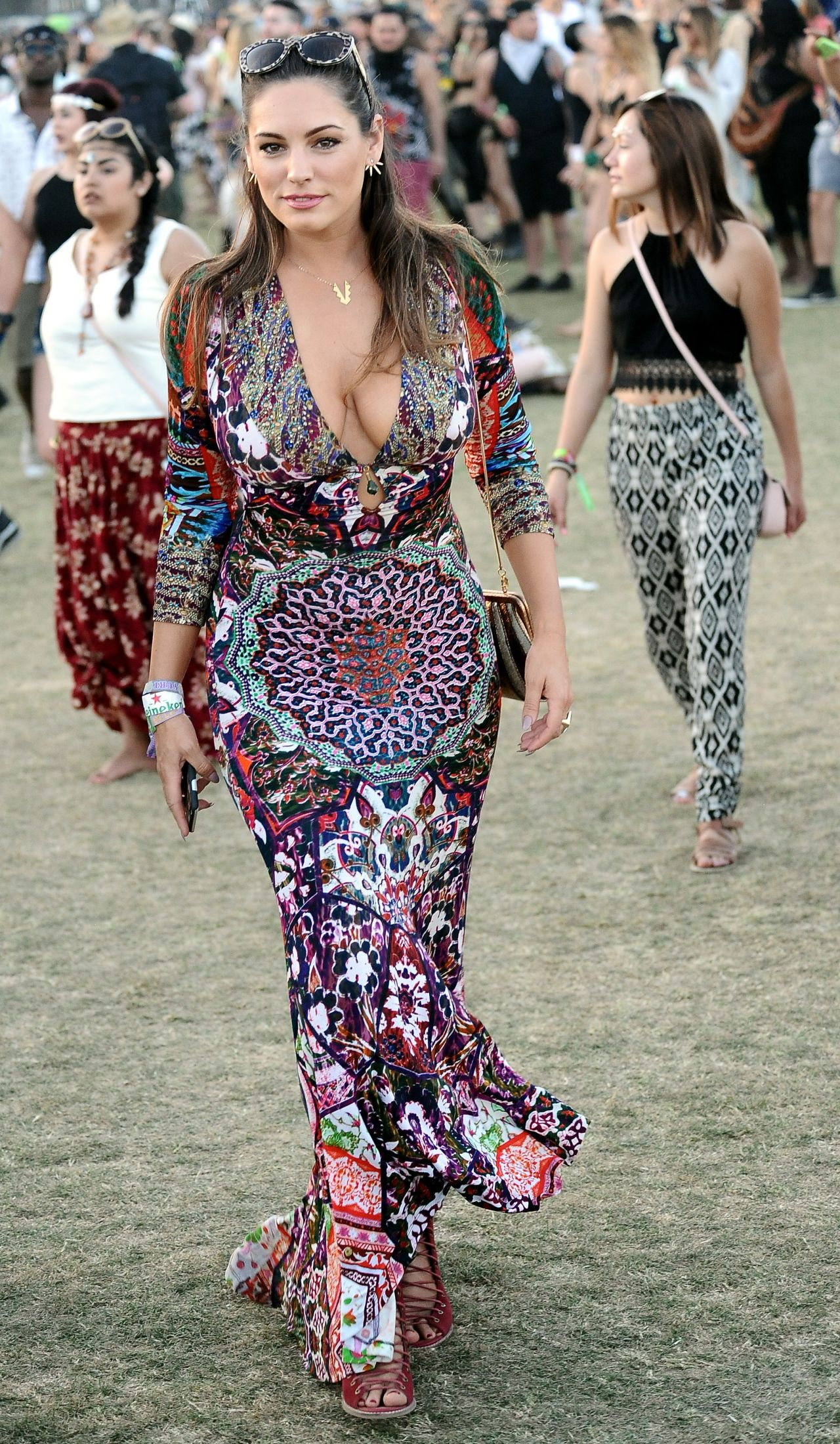 Kelly Brook In Patterned Dress Coachella Music Amp Arts