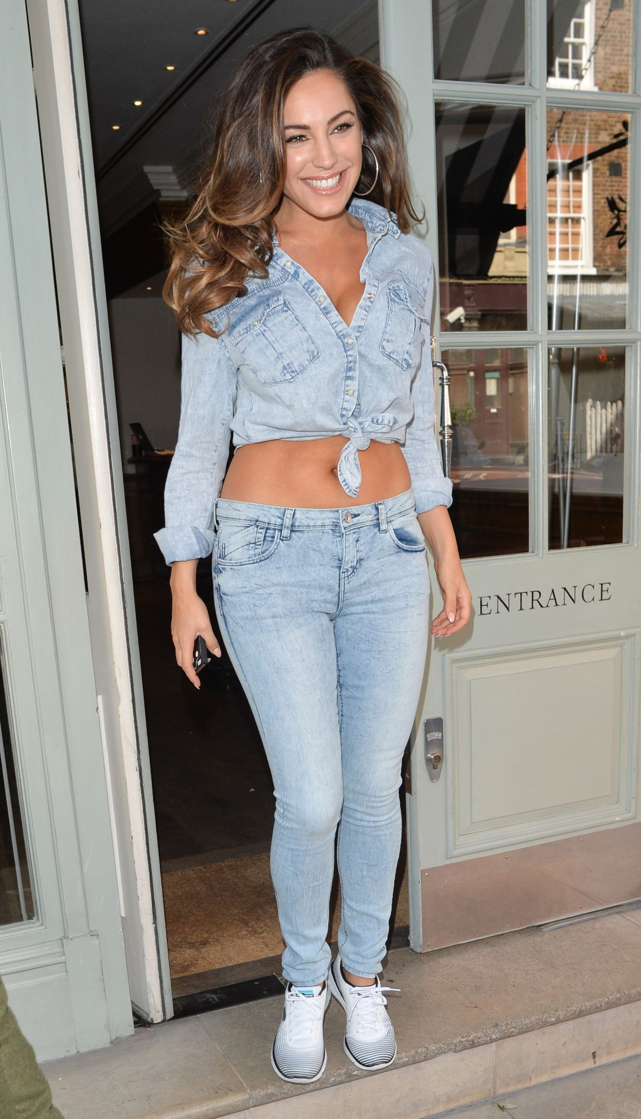 Kelly Brookin Jeans - Leaving Her Hotel in London, April 2015