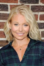 Kelly Ripa - Arrive to Appear on The Late Show With David Letterman, April 2015