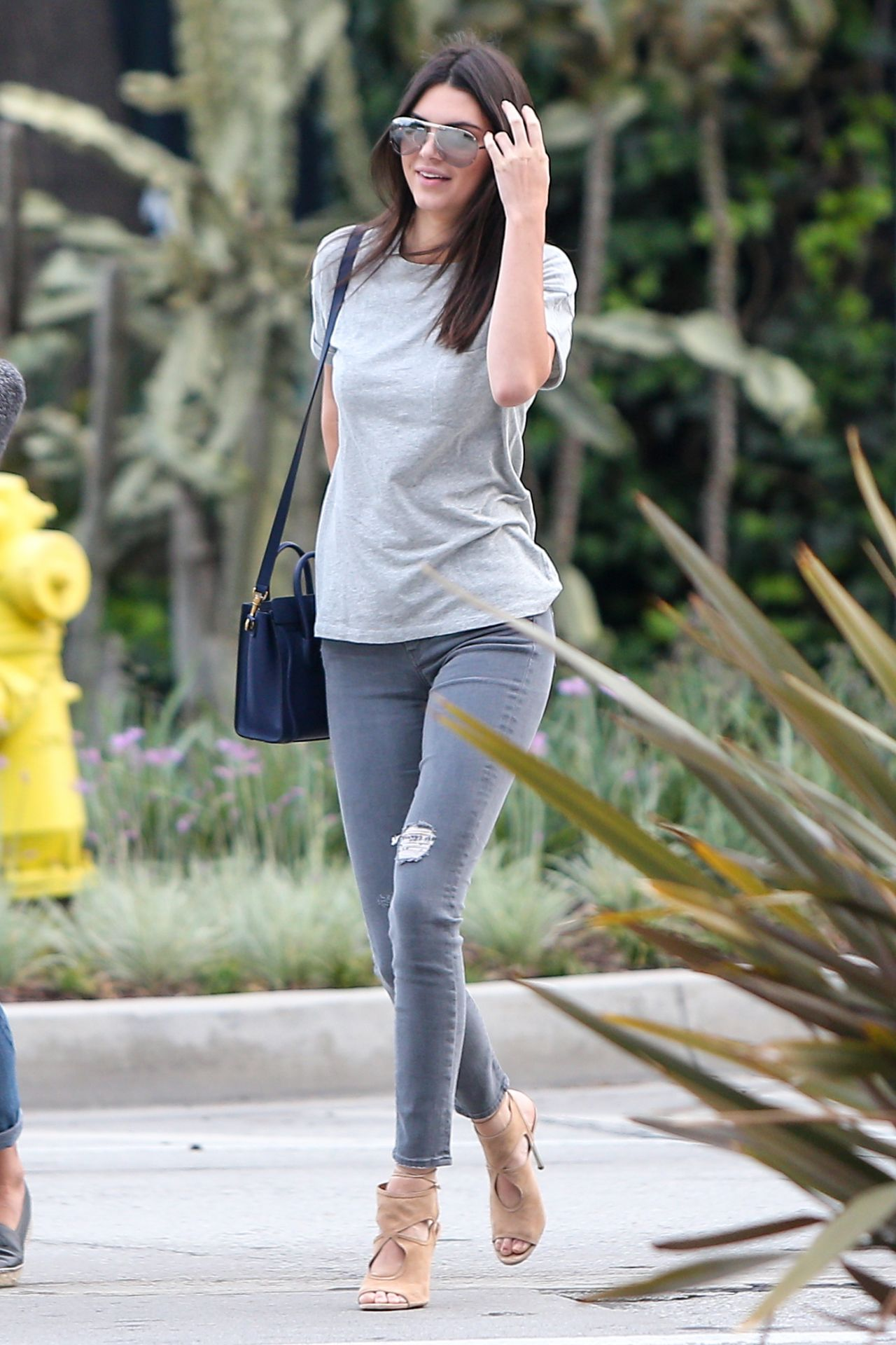 Kendall Jenner In Tight Jeans Out In Los Angeles April 2015