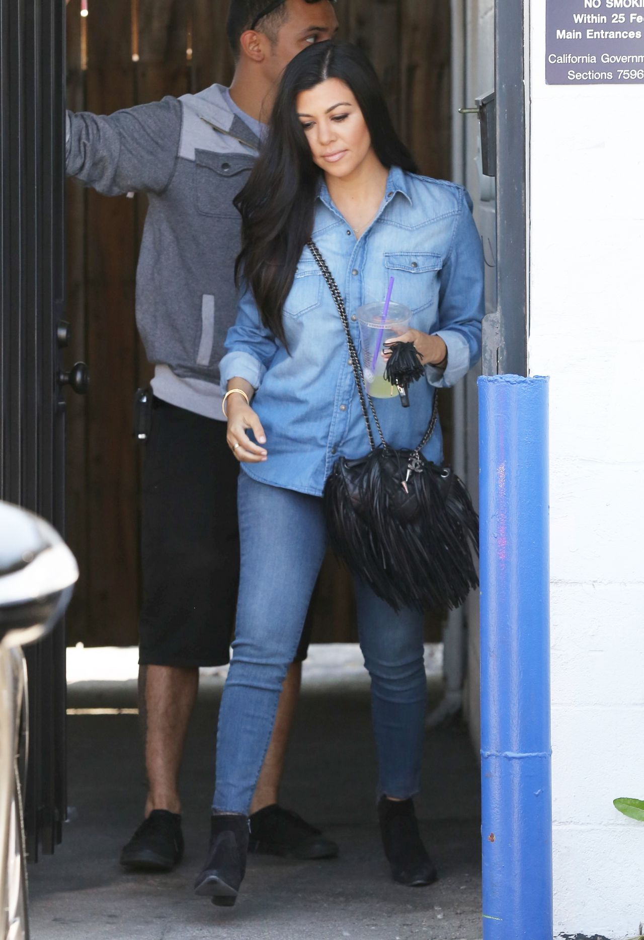 Kourtney Kardashian In Jeans Out In La April 2015