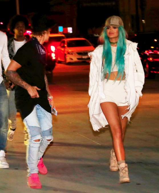 kylie-jenner-arriving-at-the-beacher-s-madhouse-2015-coachella-after-party-in-indio_1