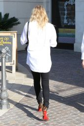 LeAnn Rimes Casual Style - Out in Calabasas, April 2015