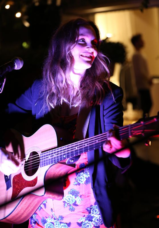 Leighton Meester Performing at The Skybar in West Hollywood, April 2015
