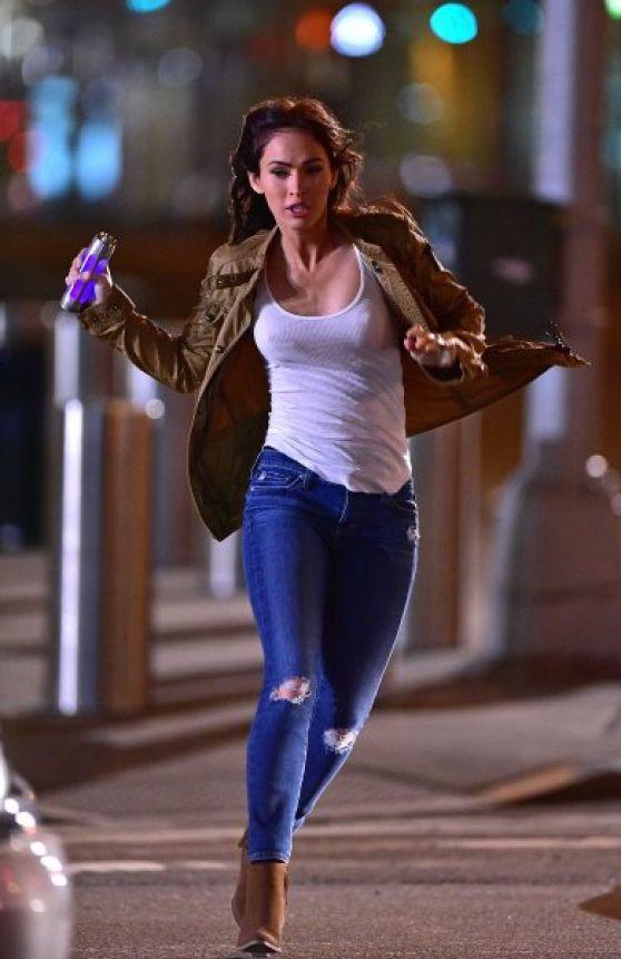 Megan Fox Filming On Location For Teenage Mutant Ninja Turtles 2