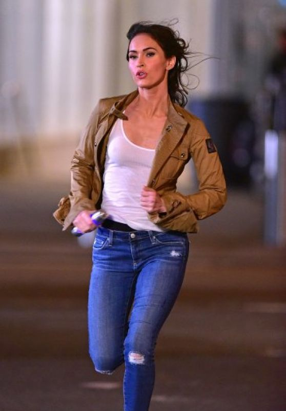 Megan Fox - Filming on Location For