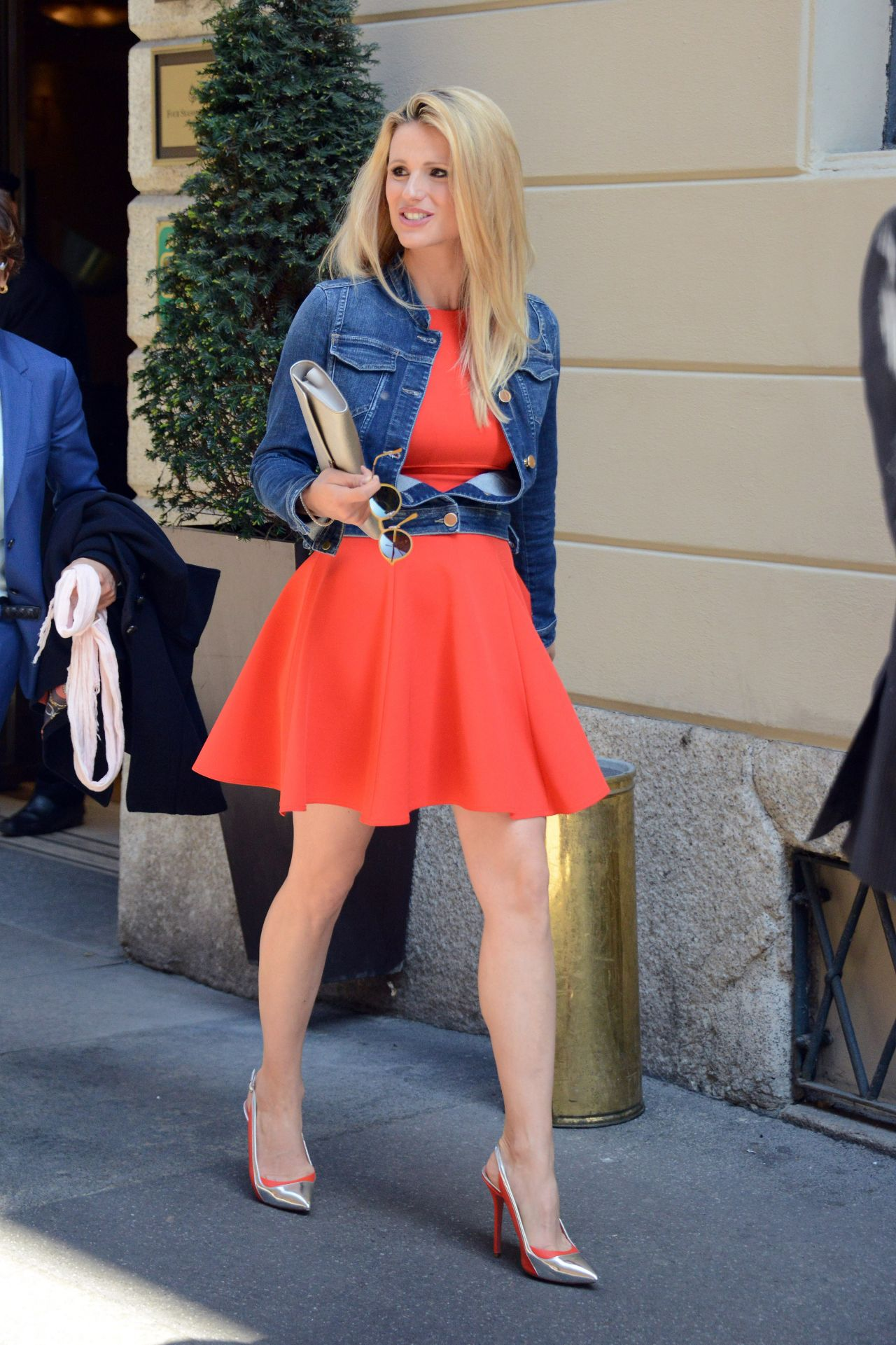 Michelle Hunziker Out In Milan Italy April 2015