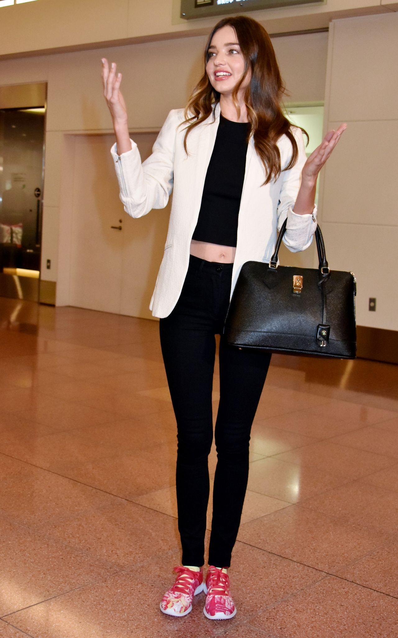 Miranda kerr at tokyo international airport in japan april 2015
