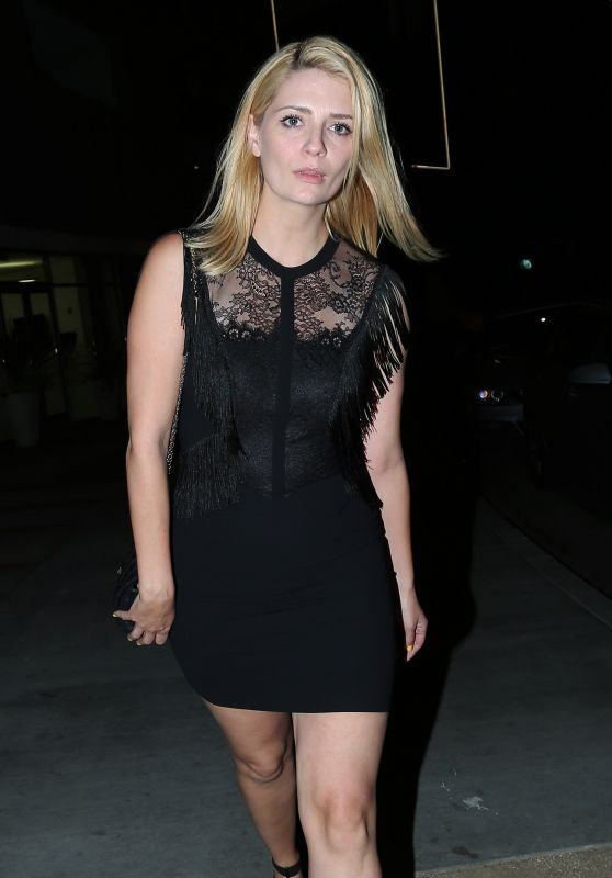 Mischa Barton at The Nice Guy Restaurant in West Hollywood - April 2015