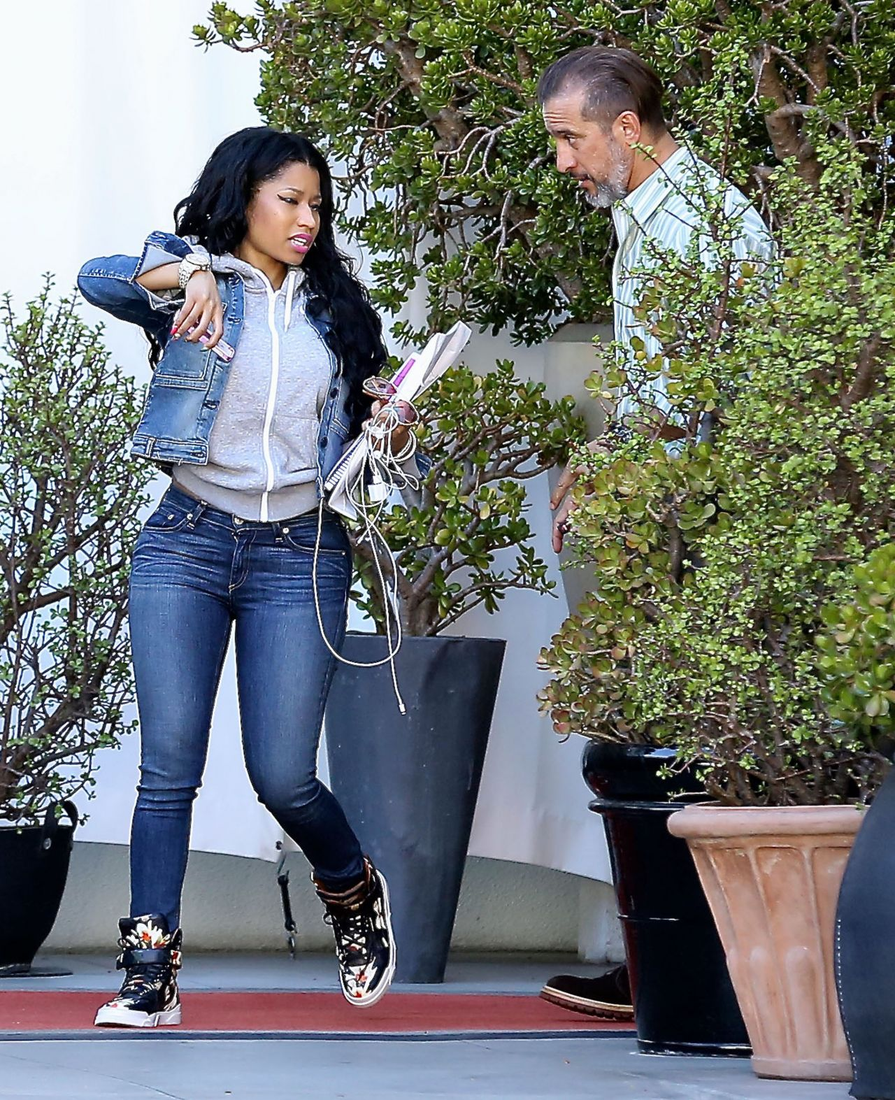 8ebdd67fc2 Nicki Minaj Booty in Jeans – Out in Los Angeles, April 2015