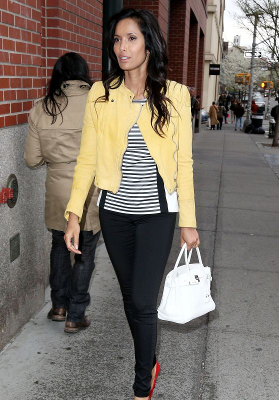 Padma Lakshmi - Arrives at Her Apartment in New York, April 2015