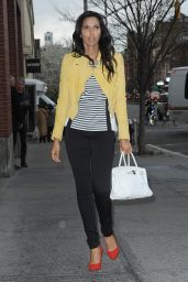 Padma Lakshmi - Arrives at Her Apartment in New York, April 2015
