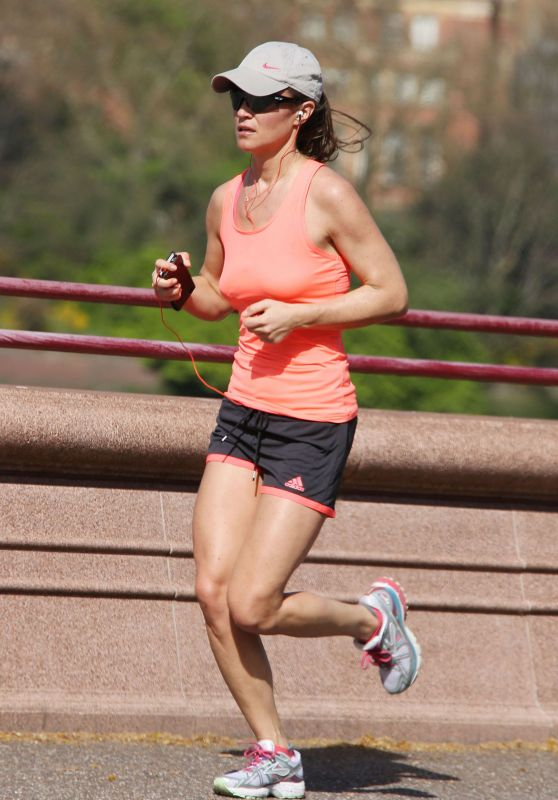 Pippa Middleton - Jogging in London, April 2015