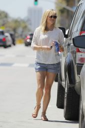 Reese Witherspoon - Shopping in Beverly Hills, April 2015