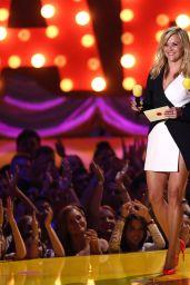 Reese Witherspoon & Sofía Vergara - 2015 MTV Movie Awards in Los Angeles
