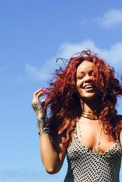 Rihanna Photoshoot - Beach in Hawaii, April 2015
