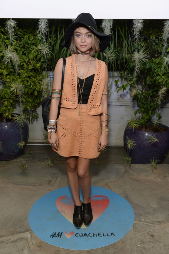 sarah-hyland-h-m-loves-coachella-party-in-palm-springs-april-2015_2