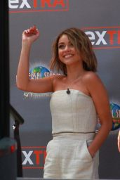 Sarah Hyland - On the Set of Extra in Los Angeles, April 2015