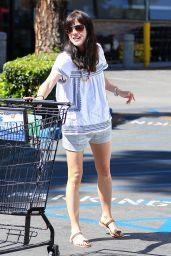 Selma Blair - Grocery Shopping at Ralph