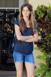 Shailene Woodley in Shorts - On the Set of