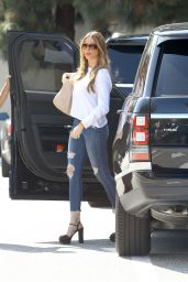 Sofía Vergara in Tight Jeans - Out in Beverly Hills, April 2015