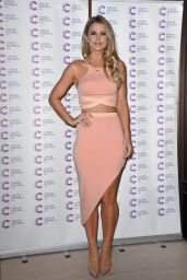Vogue Williams - Jog On To Cancer event in London, April 2015