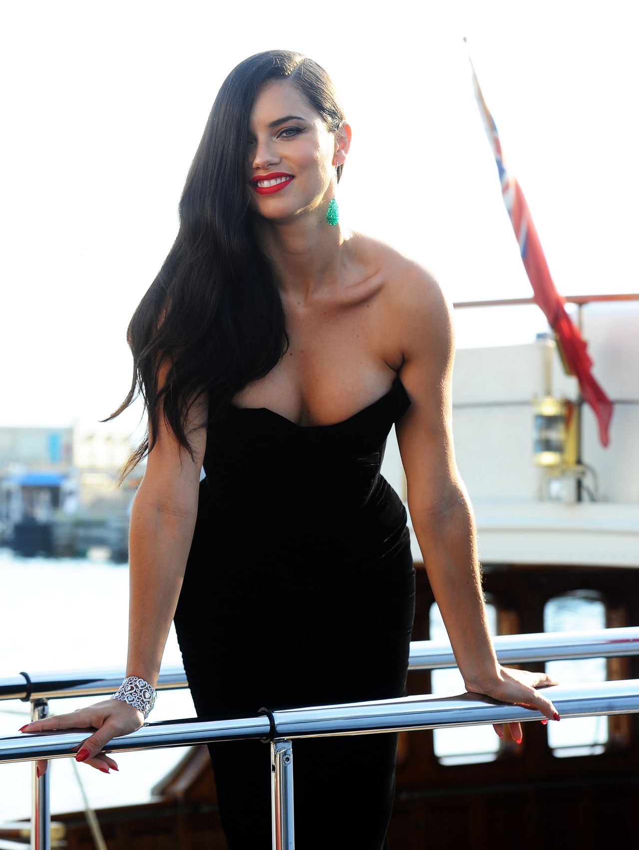 Adriana Lima Latest Photos Celebmafia