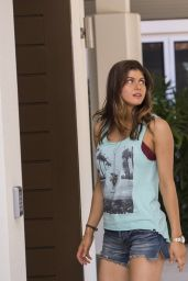 Alexandra Daddario & Carla Gugino - San Andreas Movie Photos