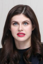 Alexandra Daddario - San Andreas Press Conference & Portraits in Los Aneles