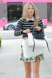 Ali Larter Shops on Melrose Place in Los Angeles, May 2015