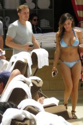 Ana Cheri BIkini Pics - Shows Off Her Curves in Las Vegas, May 2015