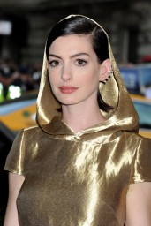 anne-hathaway-2015-costume-institute-gala-in-new-york-city_12