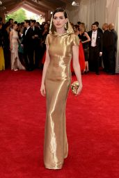 Anne Hathaway - 2015 Costume Institute Gala in New York City