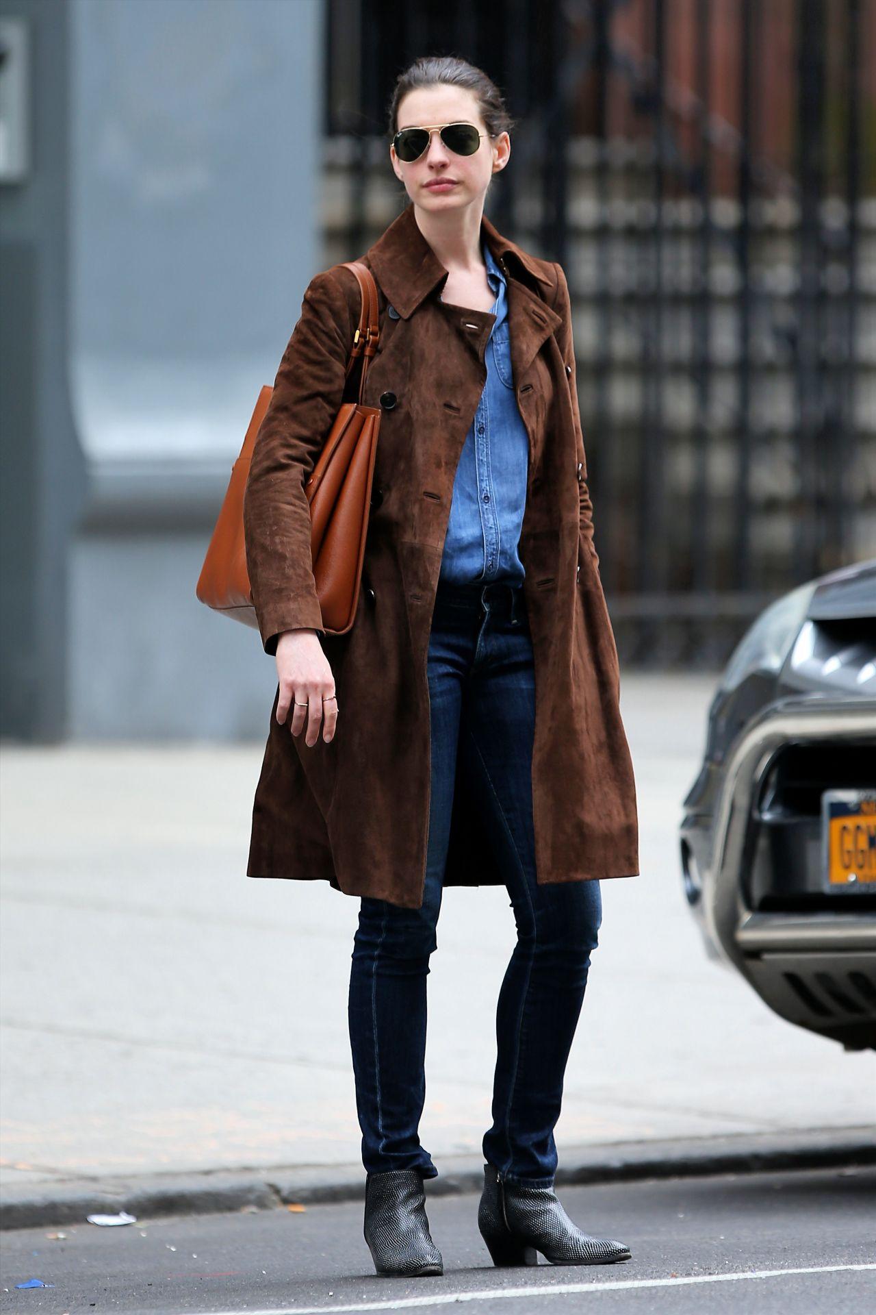 anne hathaway casual style - photo #3