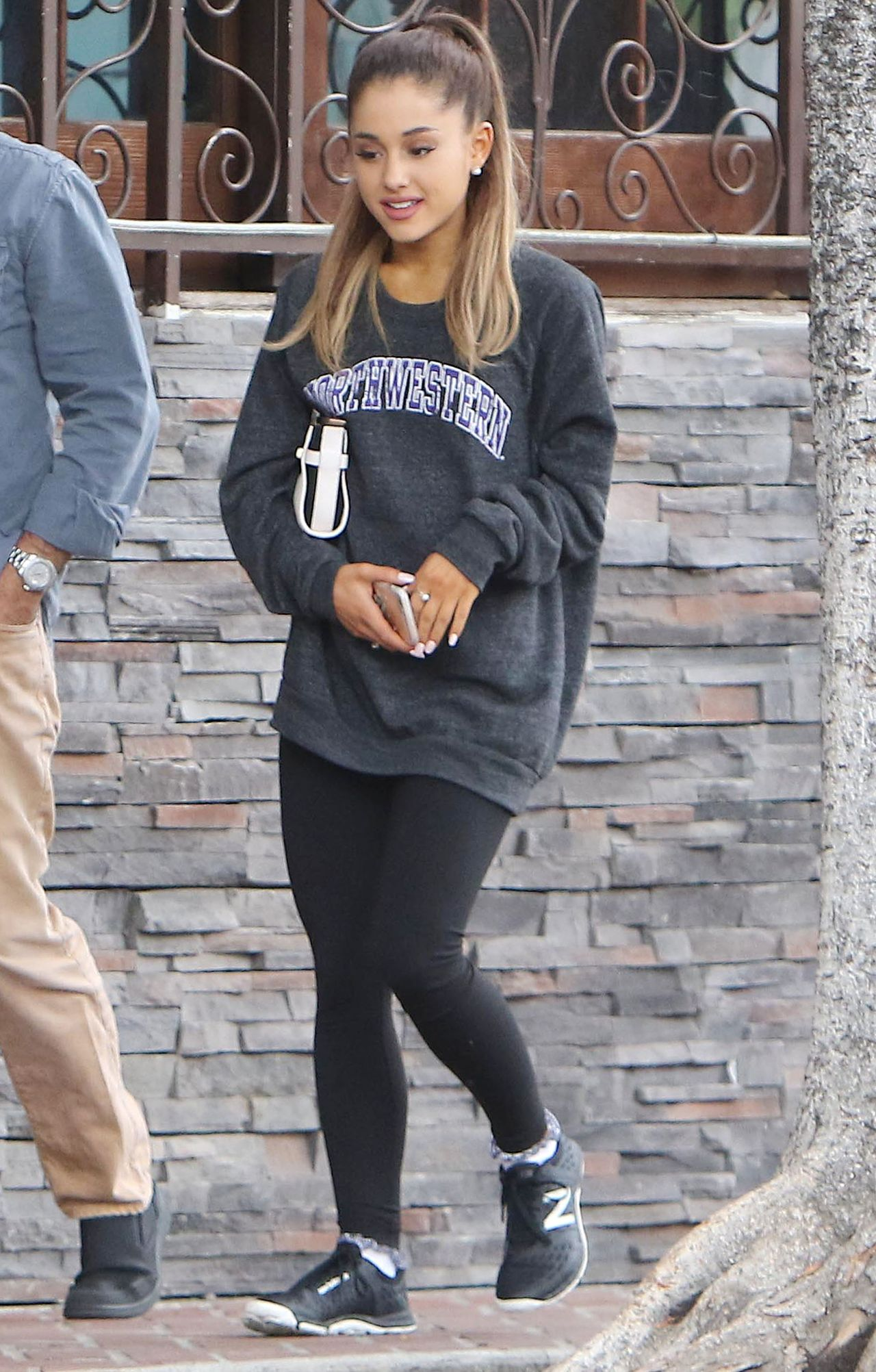 ariana grande in leggings out in west hollywood may 2015