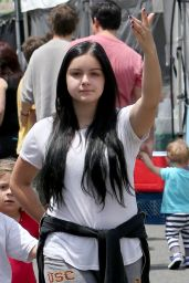 Ariel Winter at The Farmers Market in Los Angeles, May 2015