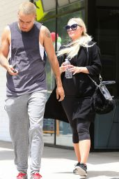 Ashlee Simpson - Departing the Gym in Studio City, May 2015